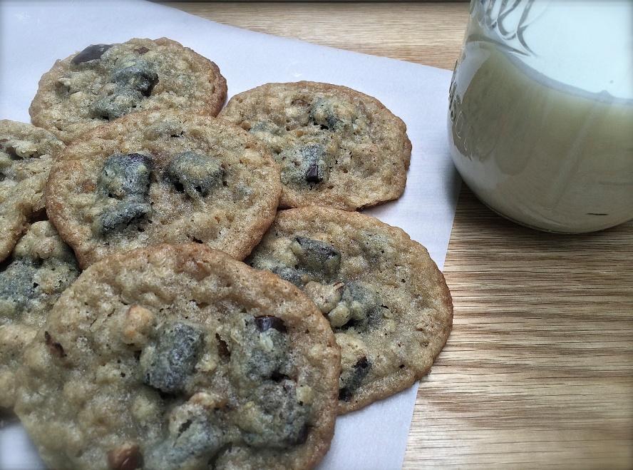 Chocolate ChunkChewy Crisp Cookie